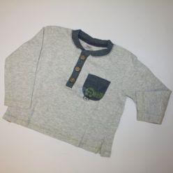Šedivé tričko s kapsičkou