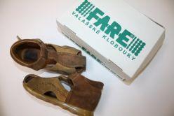 Kožené kotníkové sandálky s krytou špičkou