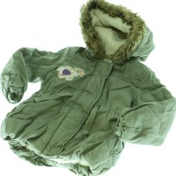 Bunda zelená zimní s kapucí a s kožíškem - zimní