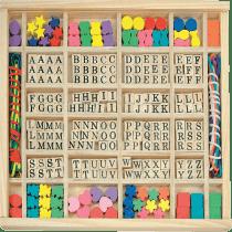 WOODY Navlékací perly v dřevěné krabici