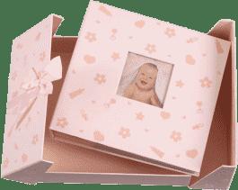 FOTOALBUM ružový Baby Nursery pre 200 fotografií 10x15 cm (darčekové balenie)