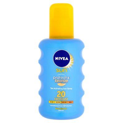 NIVEA Sun Intenzívny spray na opaľovanie OF20